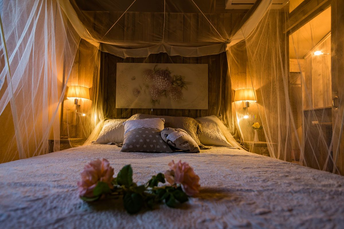 Letto matrimoniale glamping Toscana mare